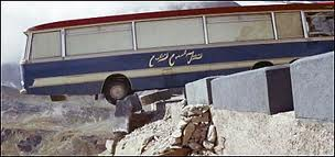 italian job cliffhanger coach bus